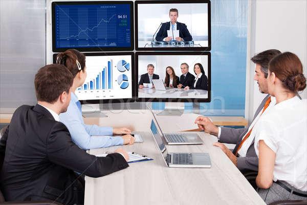 глядя экране компьютера сидят конференц-зал бизнеса Сток-фото © AndreyPopov