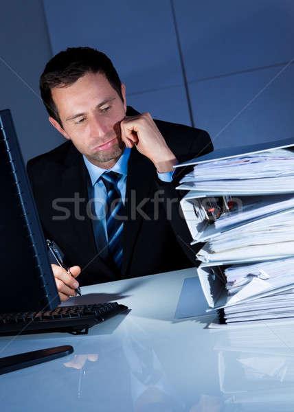 Vervelen zakenman werk laat kantoor Stockfoto © AndreyPopov