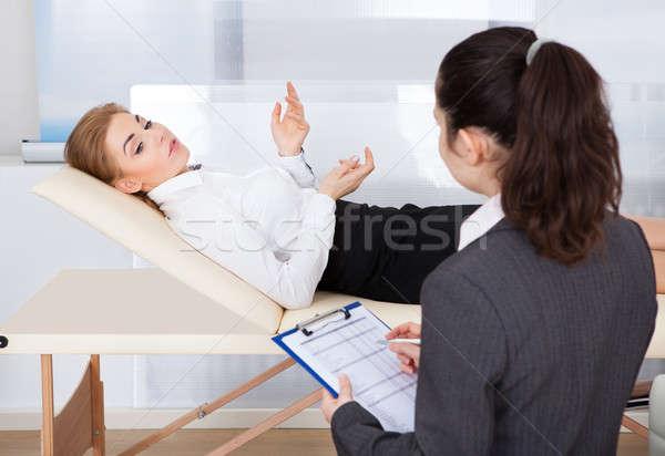 Psikiyatrist hasta genç kadın Stok fotoğraf © AndreyPopov