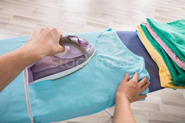 Soubrette vêtements bord main Photo stock © AndreyPopov