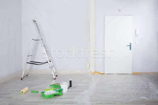 描いた 白 ルーム はしご 絵画 機器 ストックフォト © AndreyPopov