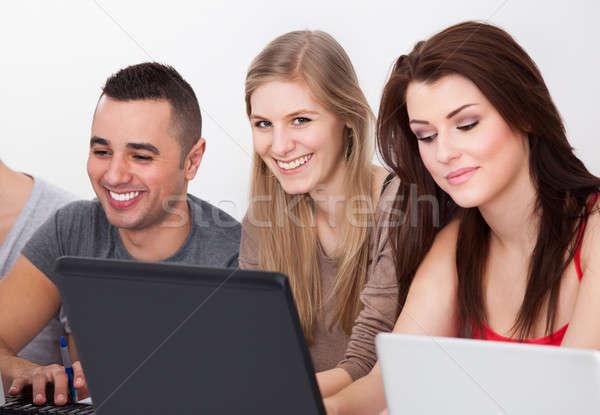 Stockfoto: Computer · klasse · portret · mannelijke · klasgenoten