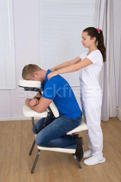 Stockfoto: Vrouwelijke · schouder · massage · man · stoel