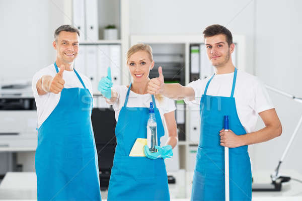 Portré mosolyog tart takarítás felszerelések mutat Stock fotó © AndreyPopov
