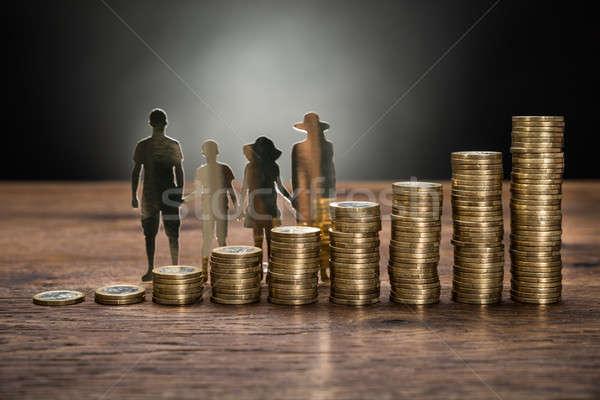 紙 カットアウト 家族 コイン クローズアップ スタック ストックフォト © AndreyPopov