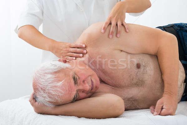 Terapeuta masażu starszy człowiek spa Zdjęcia stock © AndreyPopov