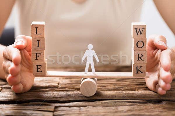 Menschlichen Hand Gleichgewicht Leben Arbeit Wippe Stock foto © AndreyPopov