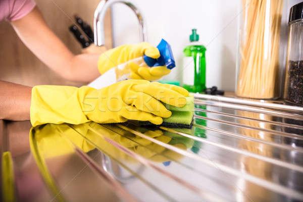 Hand schoonmaken roestvrij staal wastafel Stockfoto © AndreyPopov