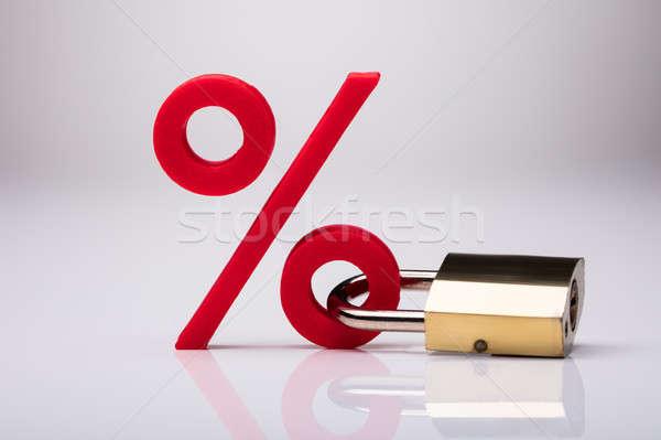 Foto stock: Percentagem · assinar · trancado · trancar · branco