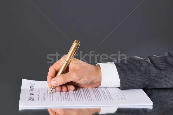 Hand ondertekening business contract zakenman Stockfoto © AndreyPopov