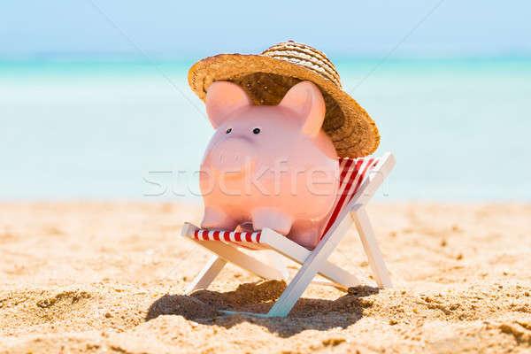 貯金 麦わら帽子 デッキ 椅子 ピンク ビーチ ストックフォト © AndreyPopov