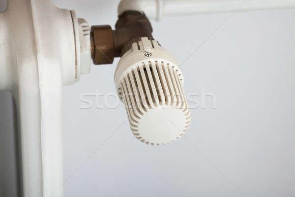 Temperatuur controle radiator foto huis Stockfoto © AndreyPopov