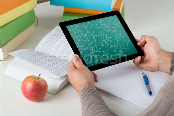 студент обучения химического цифровой таблетка Сток-фото © AndreyPopov