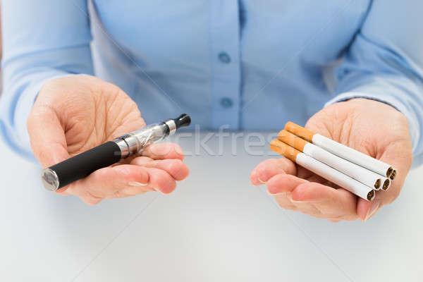Elettronica sigaretta primo piano mano Foto d'archivio © AndreyPopov