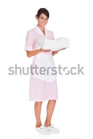 Jeunes Homme soubrette serviette heureux Photo stock © AndreyPopov