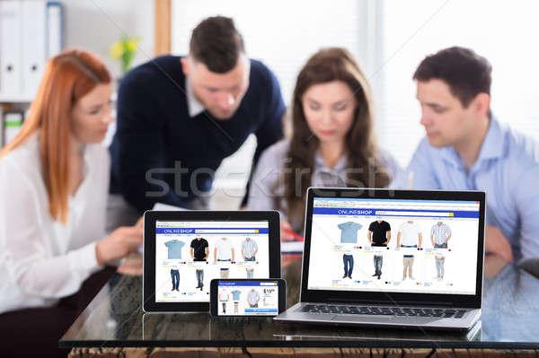 オンラインショッピング 画面 現代 電子 同僚 ストックフォト © AndreyPopov