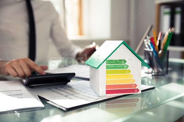 Primer plano casa modelo la eficiencia energética Foto stock © AndreyPopov
