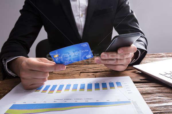 Stok fotoğraf: Işadamı · alışveriş · çevrimiçi · cep · telefonu · kredi · kartı