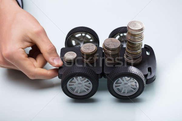 Mano negro carrito monedas Foto stock © AndreyPopov