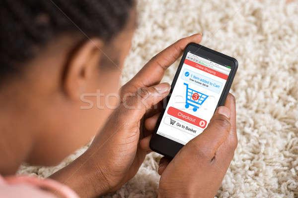 Foto stock: Mulher · compras · on-line · telefone · móvel · aplicativo
