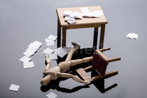 Eszméletlen fából készült alkat padló iratok munkahely Stock fotó © AndreyPopov