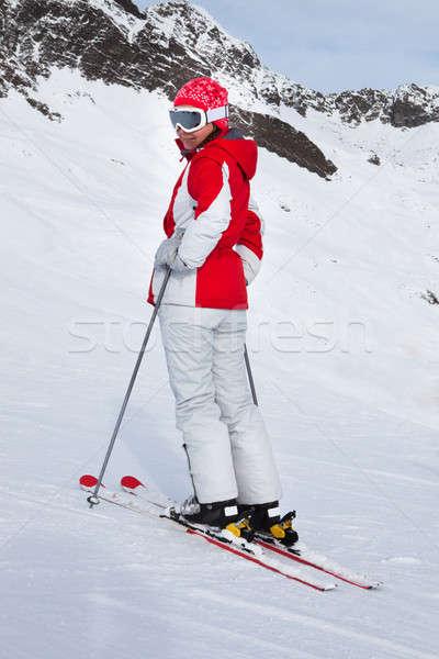 Femenino esquí esquí Resort montana Foto stock © AndreyPopov