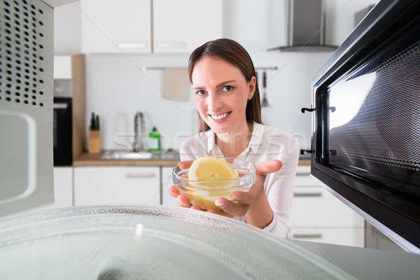 Zdjęcia stock: Szczęśliwy · business · woman · puchar · plaster · cytryny