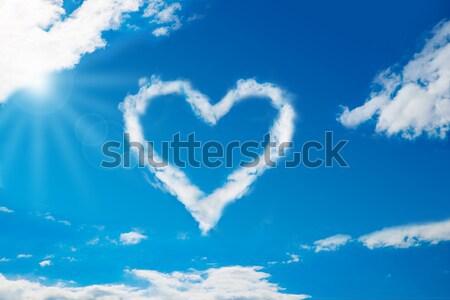 Kalp bulut mavi gökyüzü görmek Stok fotoğraf © AndreyPopov