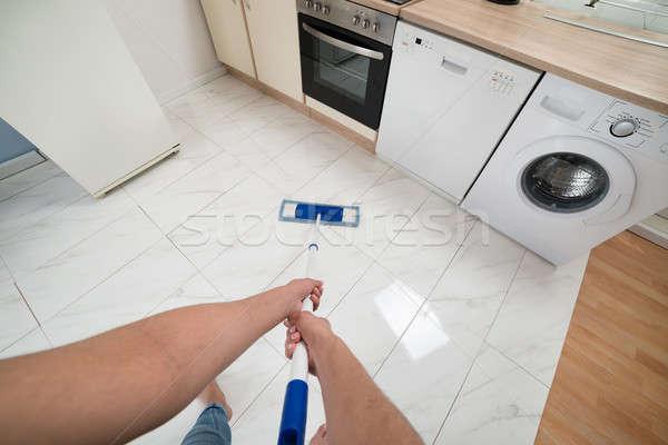 ストックフォト: 女性 · 洗浄 · キッチン · 階 · クローズアップ · 手