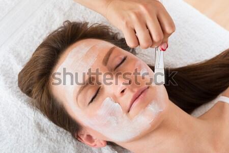 Terapeuta jelentkezik arc maszk nő kezek Stock fotó © AndreyPopov