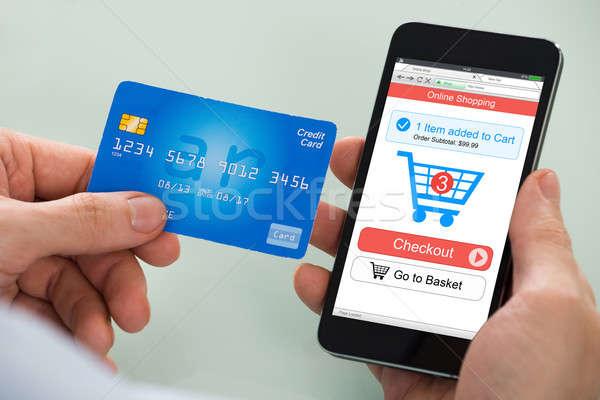 Foto stock: Pessoa · compras · on-line · telefone · móvel · cartão · de · crédito