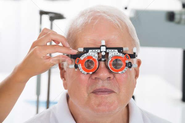 Optometrist patiënt visie frame senior Stockfoto © AndreyPopov