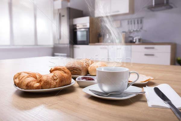 круассаны Кубок кофе горячей Сток-фото © AndreyPopov