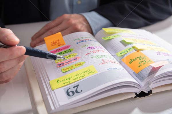 Mano iscritto nota diario primo piano importante Foto d'archivio © AndreyPopov