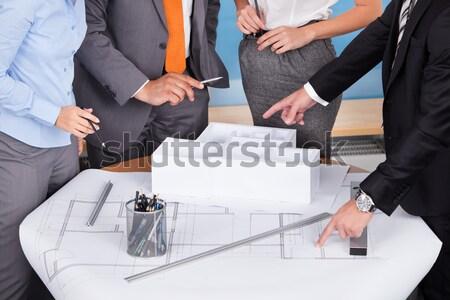 Persoană vot cutie transparent birou Imagine de stoc © AndreyPopov