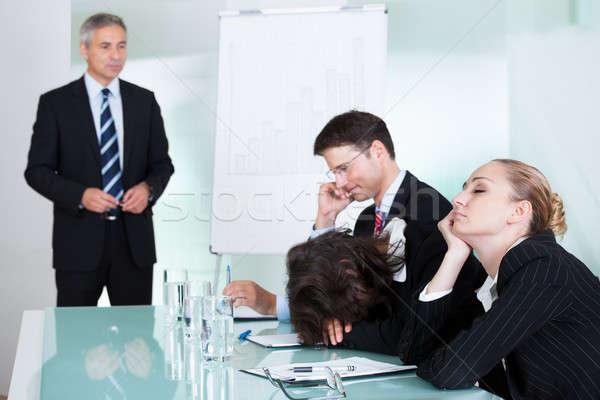 Stockfoto: Vervelen · zakenvrouw · slapen · vergadering · collega · presentatie