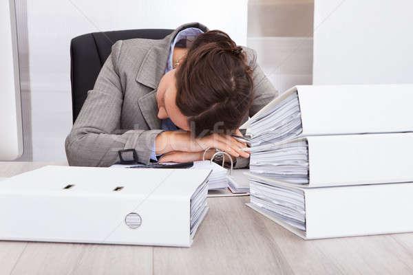 épuisé femme d'affaires dormir bureau portrait affaires Photo stock © AndreyPopov