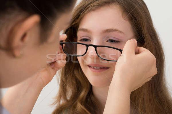 Oculista óculos paciente novo par Foto stock © AndreyPopov
