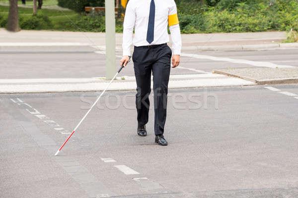 Blinde persoon lopen straat witte stick Stockfoto © AndreyPopov