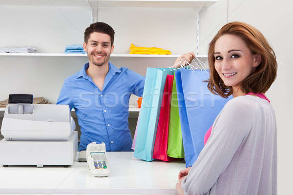 Stock fotó: Pénztáros · bevásárlószatyor · vásárló · boldog · férfi · üzlet