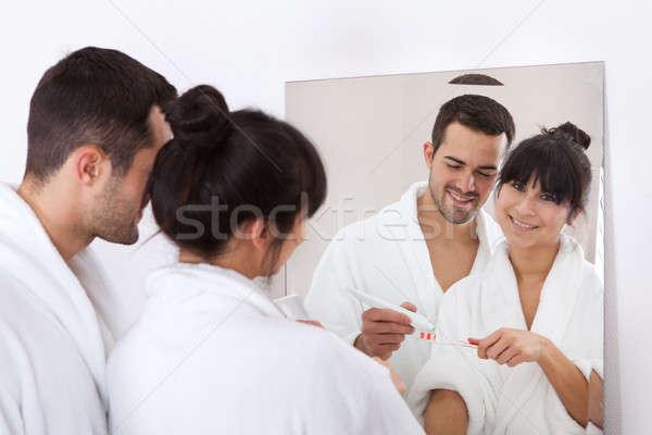 Stock fotó: Fiatal · pér · fogmosás · együtt · otthon · fürdőszoba · nő