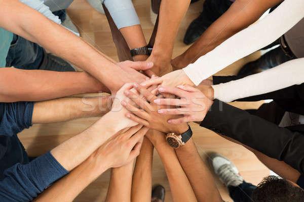 Creative gens d'affaires mains blanche directement au-dessus Photo stock © AndreyPopov