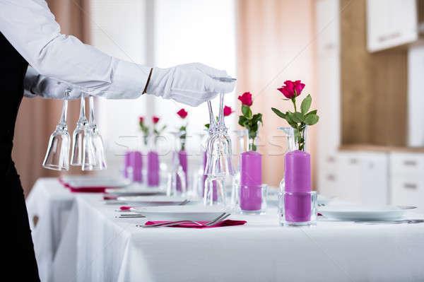Garçom casamento tabela restaurante vidro Foto stock © AndreyPopov