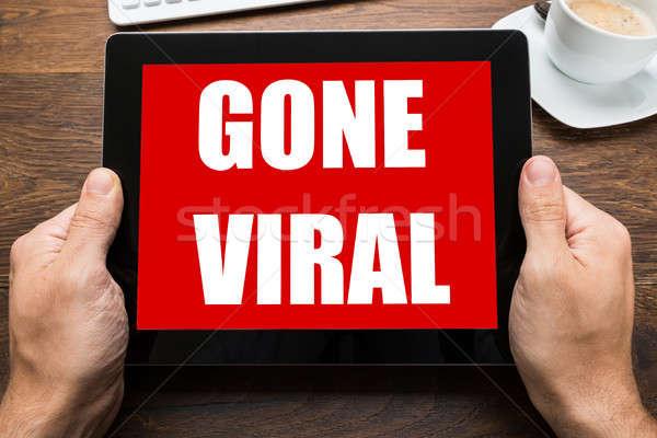 デジタル タブレット ウイルスの 文字 画面 表示 ストックフォト © AndreyPopov