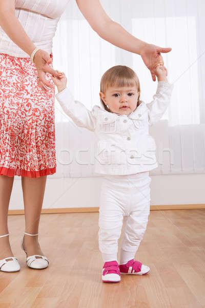 Bebek ilk adımlar sevimli küçük Stok fotoğraf © AndreyPopov