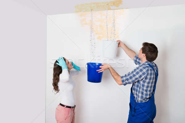 Stockfoto: Vrouw · werknemer · verzamelen · water · plafond · emmer