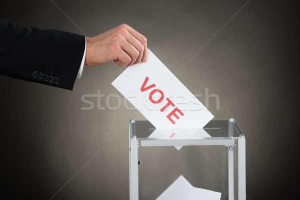 Empresário mão votar cédula caixa Foto stock © AndreyPopov