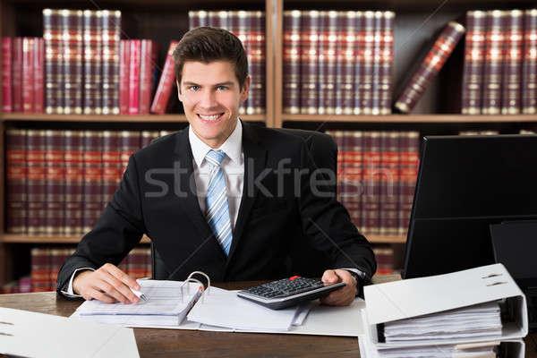 Udany mężczyzna księgowy rachunek portret papieru Zdjęcia stock © AndreyPopov