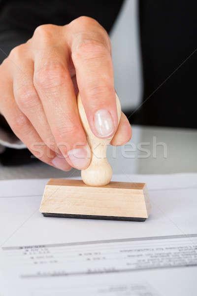 Stock fotó: üzletember · kéz · kisajtolás · pecsét · irat · közelkép