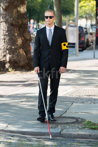 Stockfoto: Blinde · man · lopen · trottoir · stick